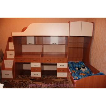 Детская двухъярусная кровать с двумя столами и лестницей-комодом (ал18) Мерабель 80x190